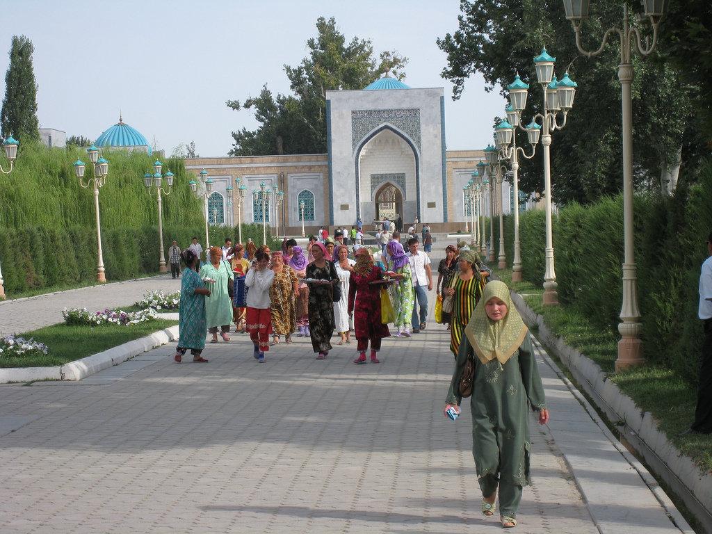imam bukhari Smpit smpit imam bukhari merupakan sekolah menengah pertama islam terpadu yang memadukan character building dan lifeskill berlandaskan al-quran dan as sunnah.